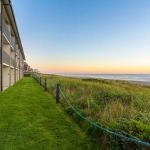 Best Western Plus Lincoln Sands Oceanfront Suites Exterior and Ocean View
