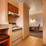 Best Western Plus Lincoln Sands Oceanfront Suites Suite Kitchen