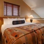 Best Western Plus Lincoln Sands Oceanfront Suites Guest Bed Room