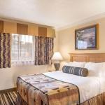Best Western Plus Lincoln Sands Oceanfront Suites Queen Bed