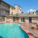 Best Western Plus Lincoln Sands Oceanfront Suites Pool Daytime